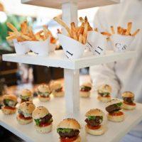 23-Yummy-Wedding-Burger-Ideas-And-Ways-To-Display-Them7